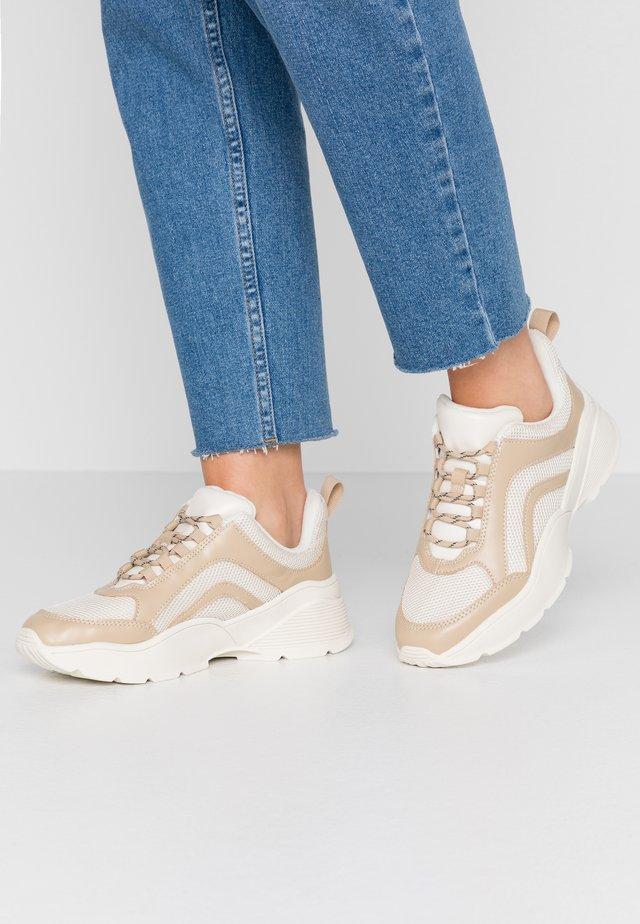 RITVA  - Sneakers - beige/white