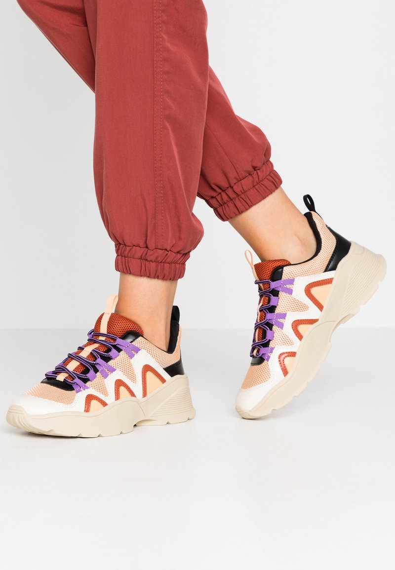Monki - VEGAN SONIA - Baskets basses - beige/lilac