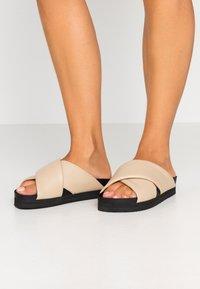 Monki - BELLA  - Pantofle - beige - 0