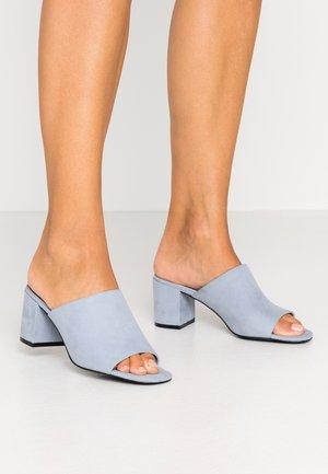 SARAH  - Mules à talons - light blue