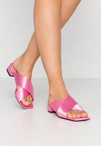 Monki - RENATE  - Pantofle - pink - 0