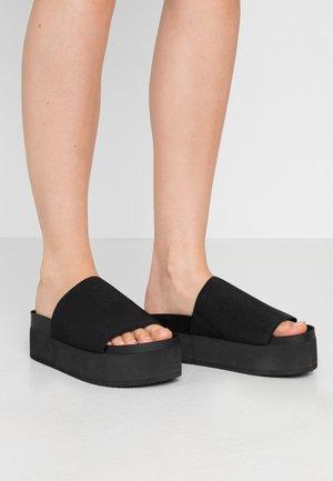 NORMA  - Pantofle na podpatku - black