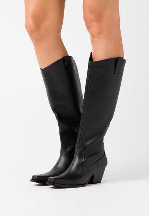 VEGAN ROXY BOOT - Kovbojské/motorkářské boty - black