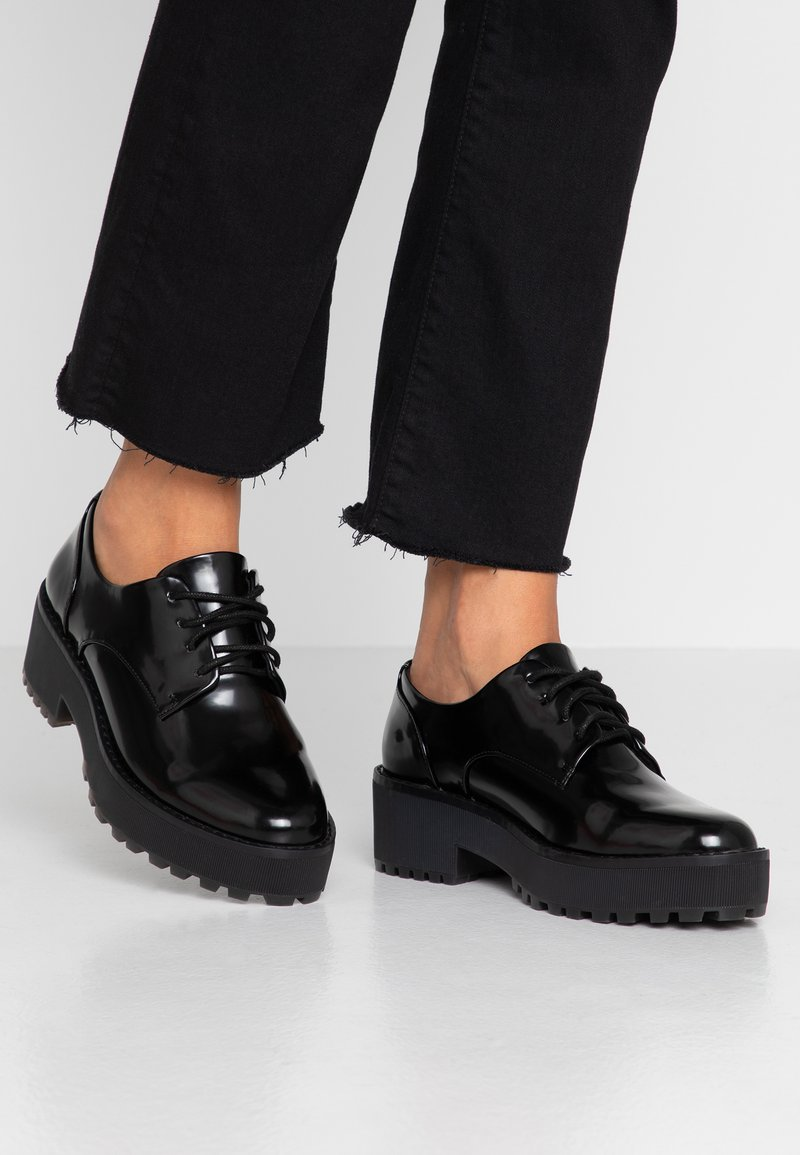 Monki - SOFIE - Derbies - black
