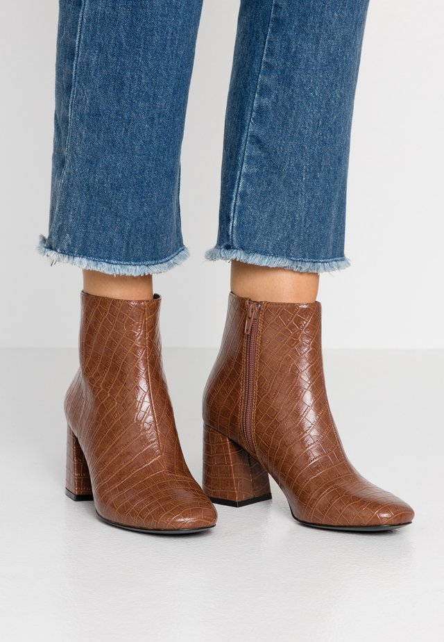 WEI - Ankle boot - brown