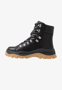 Monki - AINO - Platform ankle boots - black - 1