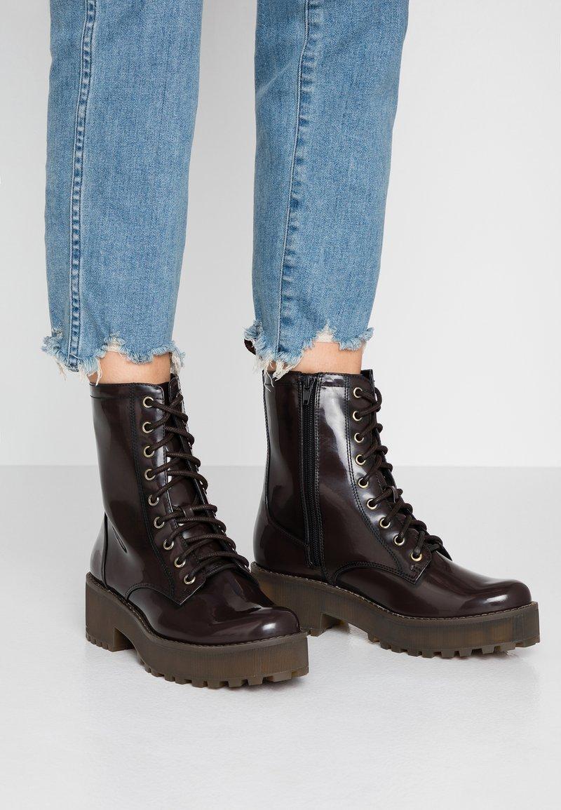 Monki - MANDY - Platform ankle boots - brown