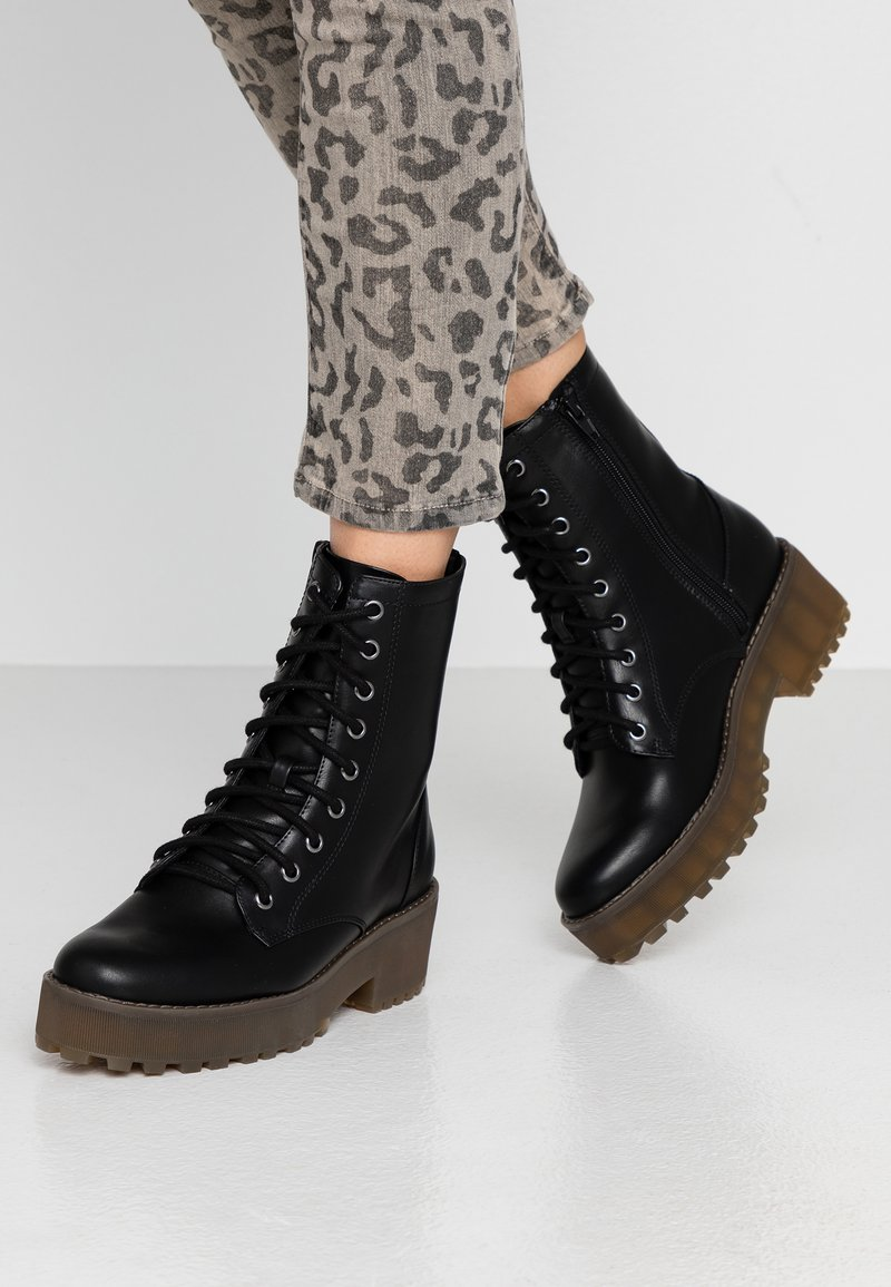 Monki - MANDY - Platform ankle boots - black