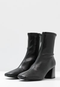 Monki - LEIA BOOT - Classic ankle boots - black - 4