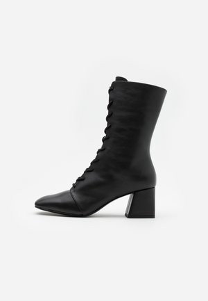 VEGAN THELMA BOOT - Lace-up boots - black