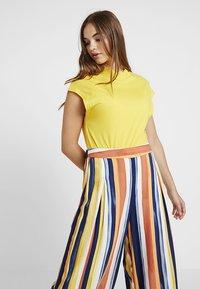 Monki - CARRO TROUSERS - Trousers - multicoloured - 3
