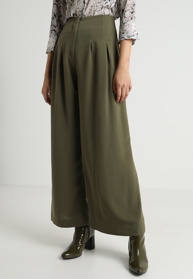 Monki - ELLI TROUSERS - Pantalones - kaki green