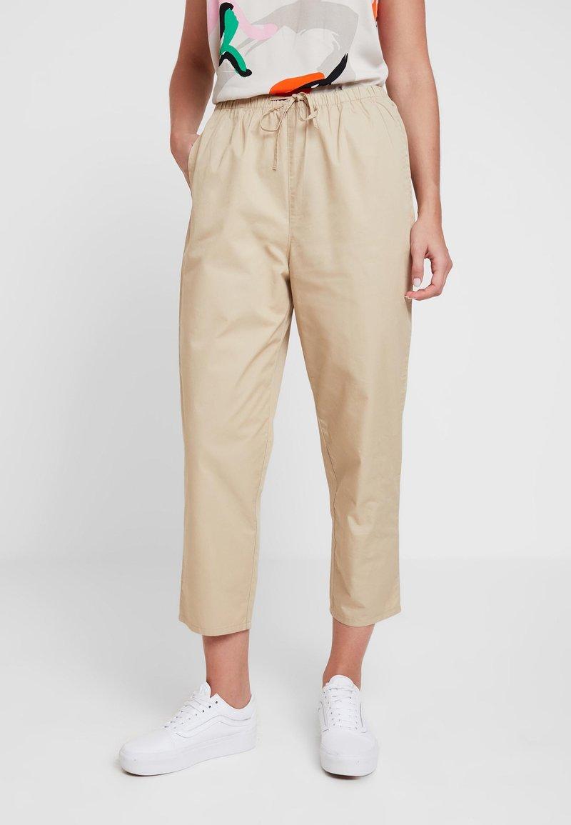Monki - TINA TROUSER UNIQUE - Kalhoty - beige