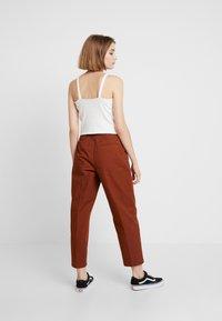 Monki - MONA TROUSERS - Trousers - brown medium dusty - 2