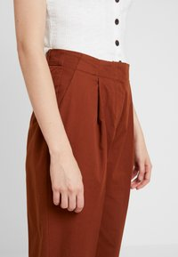 Monki - MONA TROUSERS - Trousers - brown medium dusty - 4