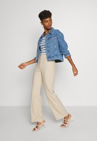 Monki - STACY TROUSERS - Bukse - beige - 1