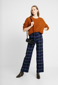 Monki - STACY TROUSERS - Trousers - blue dark geek - 2