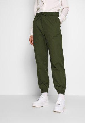 PAM TROUSERS - Kalhoty - khaki green