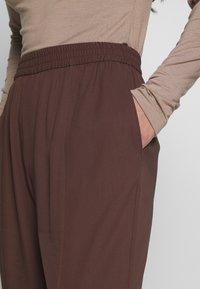 Monki - SAMI TROUSERS - Trousers - brown - 4