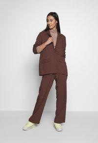 Monki - SAMI TROUSERS - Trousers - brown - 1