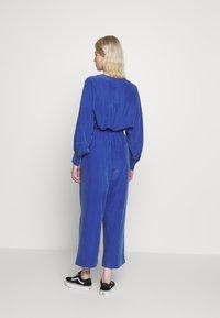 Monki - TAVI TROUSERS - Pantaloni - blue - 2