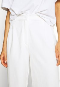 Monki - GALINA TROUSERS - Bukse - white light - 3