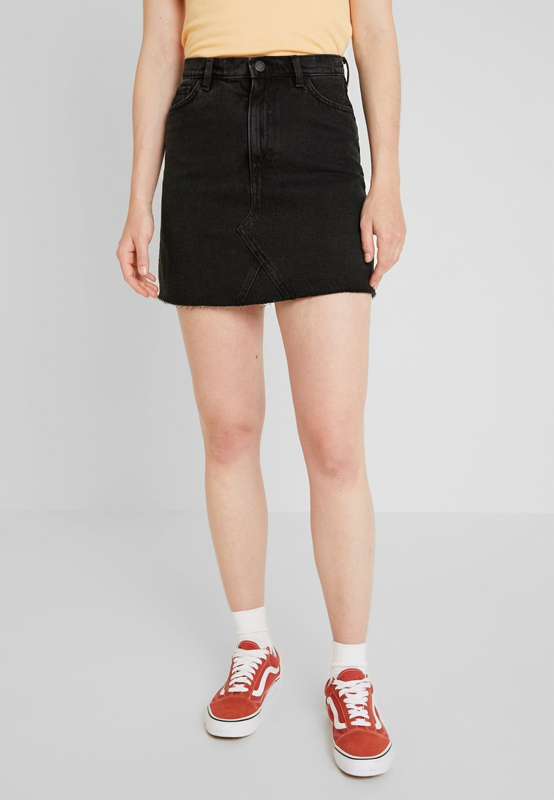 Monki - ARIA SKIRT - Denim shorts - black dark