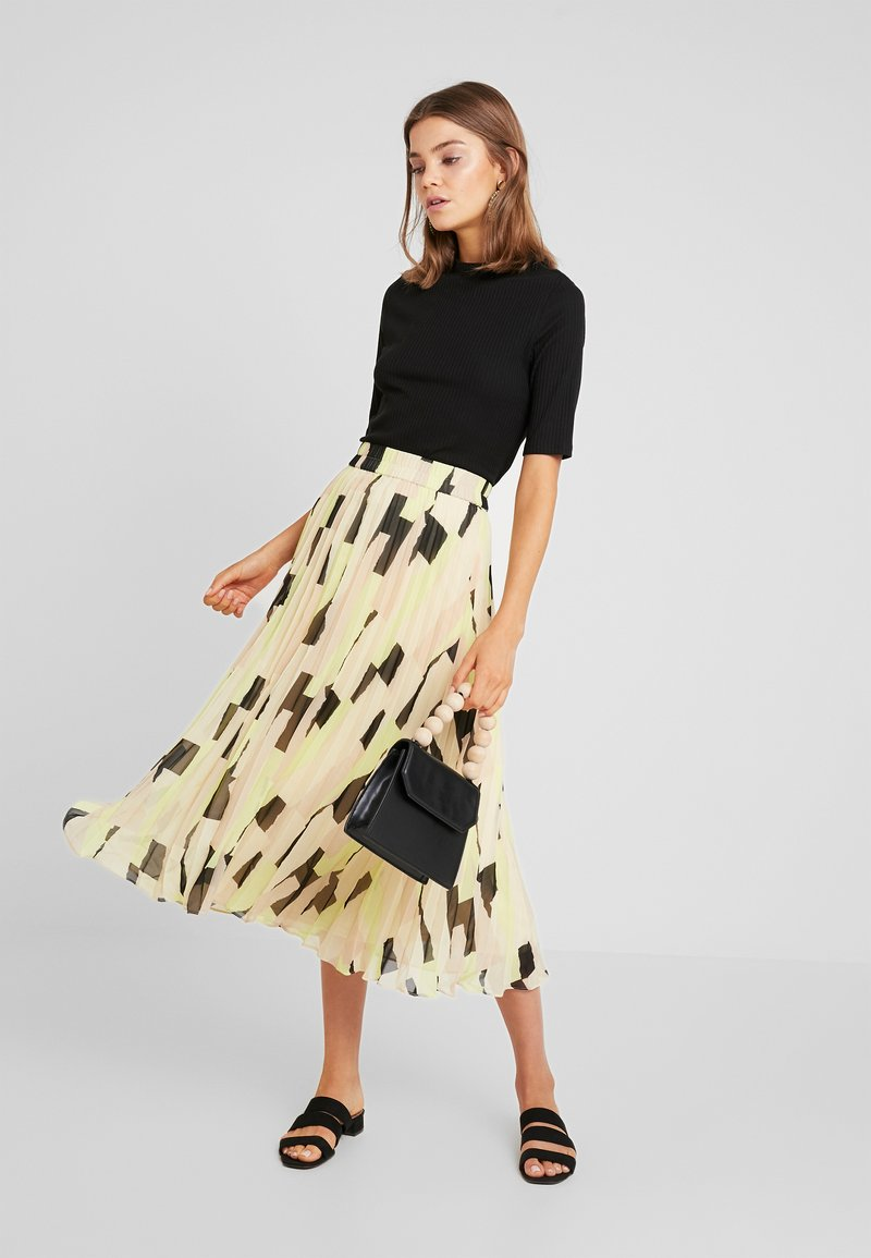 Monki - LAURA PLISSÉ SKIRT - A-Linien-Rock - orange dusty light