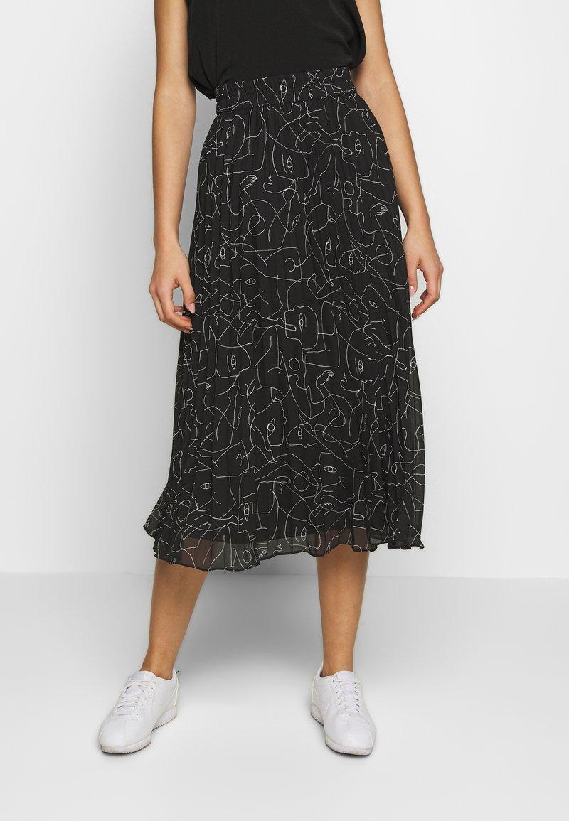 Monki - LAURA PLISSÉ SKIRT - Áčková sukně - black