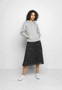 Monki - LAURA PLISSÉ SKIRT - A-line skirt - black - 1