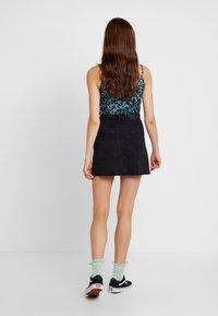 Monki - ARIA SKIRT - Denim skirt - black - 2