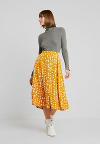Monki - SIGRID SKIRT - A-line skirt - yellow dark unique - 1