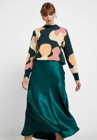 Monki - BAILEY SKIRT - Jupe longue - dark green - 3