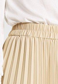 Monki - YAN PLISSE SKIRT - Spódnica trapezowa - beige - 4