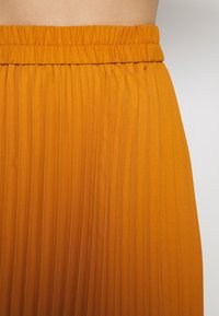Monki - YAN PLISSE SKIRT - A-lijn rok - yellow dark - 5