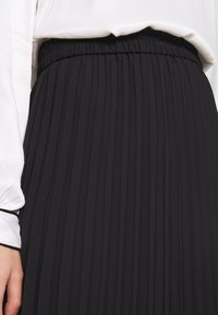 Monki - YAN PLISSE SKIRT - A-snit nederdel/ A-formede nederdele - black - 4