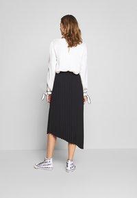 Monki - YAN PLISSE SKIRT - A-snit nederdel/ A-formede nederdele - black - 2
