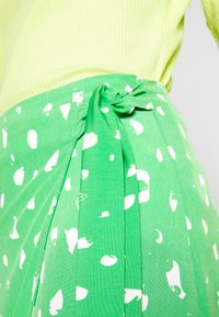 Monki - FRAN WRAP - A-line skirt - green medium - 4