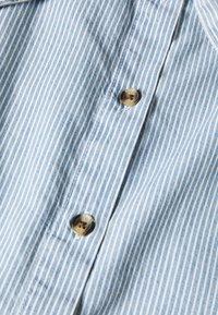 Monki - REGINA SKIRT - A-line skjørt - blue medium dusty blue/white - 2