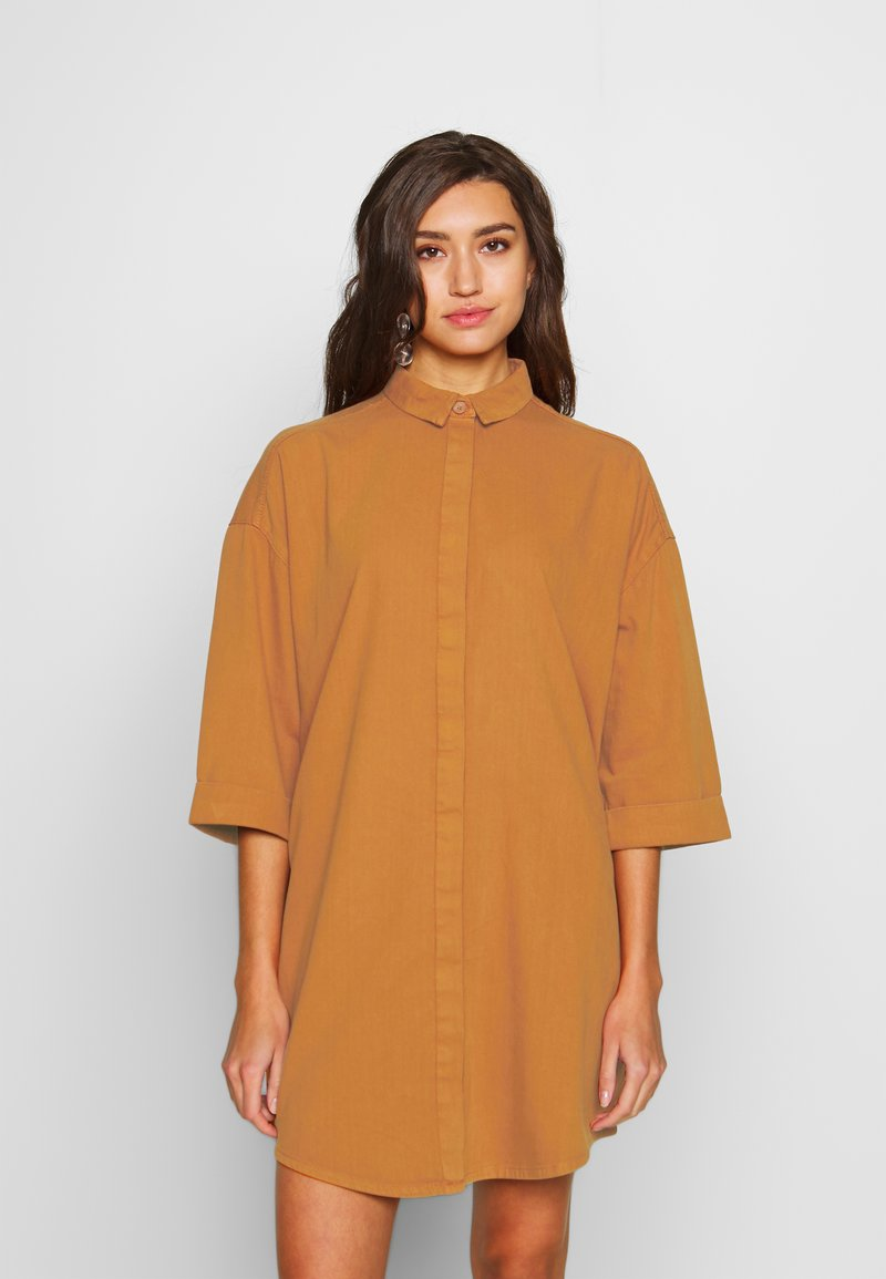 Monki - MONA LISA DRESS - Robe chemise - orange dark