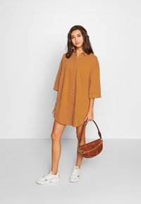 Monki - MONA LISA DRESS - Robe chemise - orange dark - 1