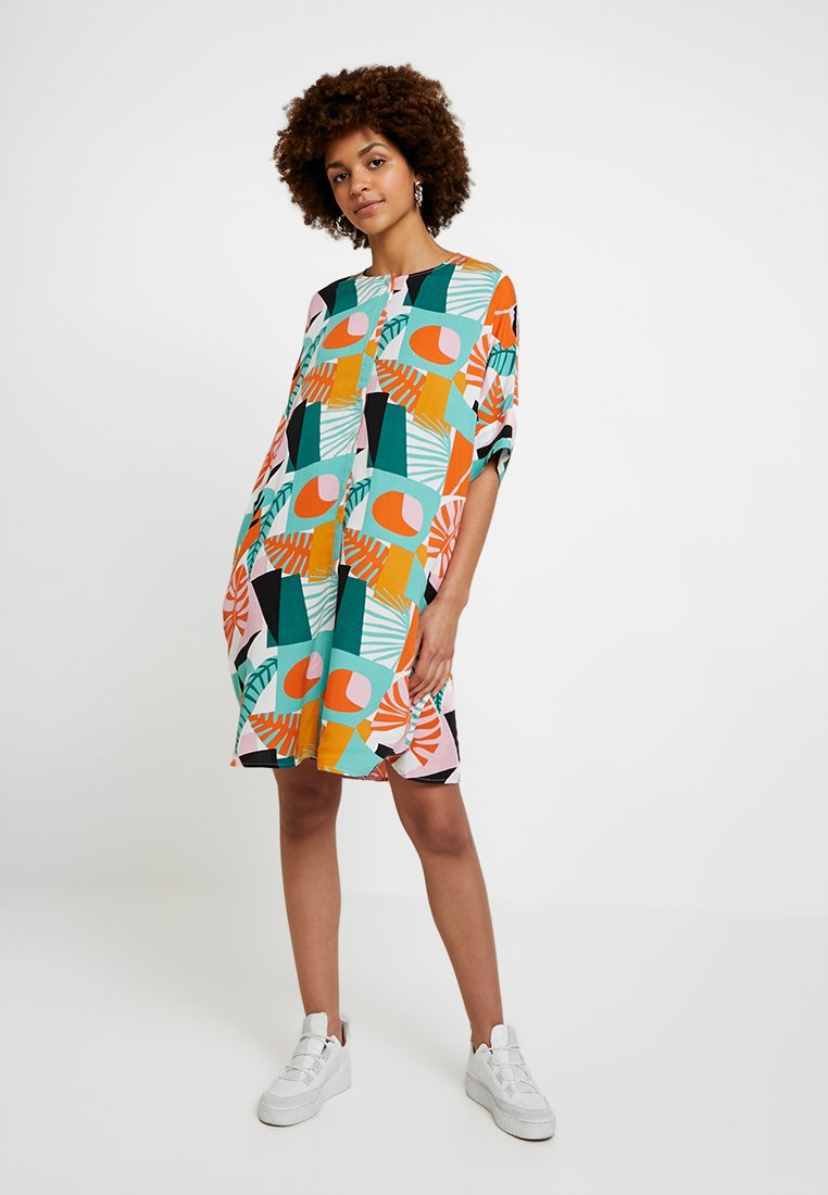 Monki - LOOKI DRESS - Shirt dress - graphic djungle