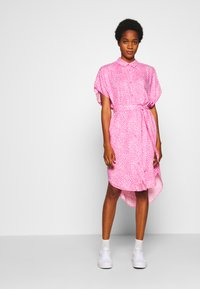 Monki - NINNI DRESS - Blousejurk - pink medium - 2