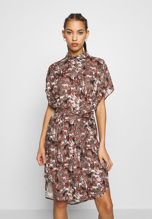 NINNI DRESS - Shirt dress - brown/white