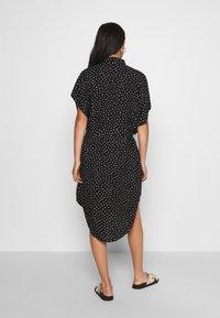 Monki - NINNI DRESS - Sukienka koszulowa - black - 2