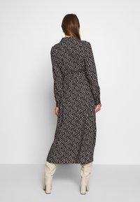 Monki - VENERA DRESS - Skjortekjole - black - 2