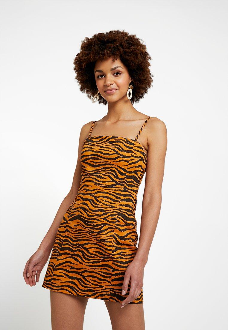 Monki - JUDY OCCASION DRESS - Robe d'été - orange/black