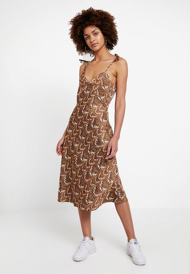 MOLLY DRESS - Freizeitkleid - beige