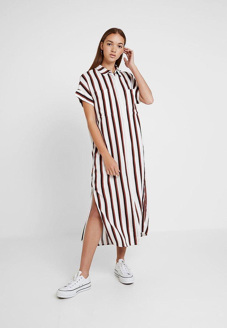 Monki - ILLY DRESS - Shirt dress - neon rust