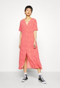 Monki - SILENA DRESS - Skjortekjole - red - 0